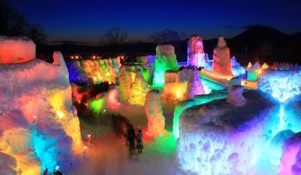 支笏湖冰濤節的大型冰雕