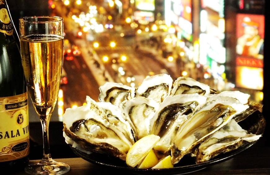肥美牡蠣100日圓起,還有無敵夜景!札幌原始燒烤酒場「Lungo Carnival Central S4店」