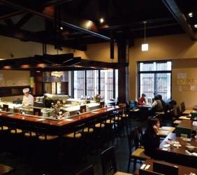 函館必吃炭火燒烤名店「きくよ食堂 Bay Area店」店內環境