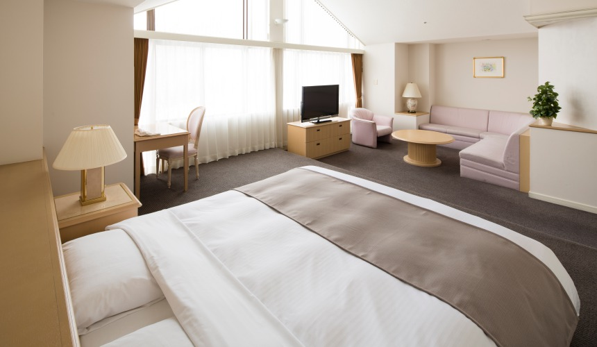 北海道最大的四季度假胜地「留寿都度假区」的威斯汀留寿都度假酒店的南北馆高级套房(ジュニアスイートルーム)