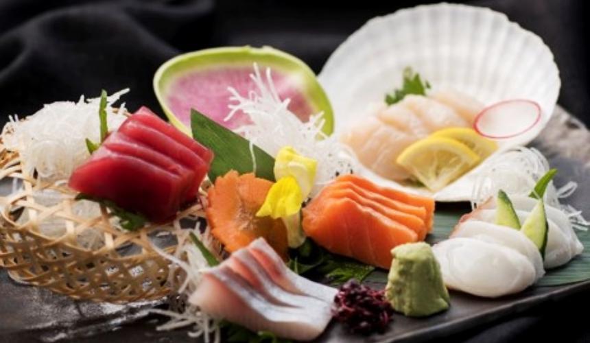 北海道最大的四季度假胜地「留寿都度假区」的日式居酒屋「kakashi」的海鲜料理