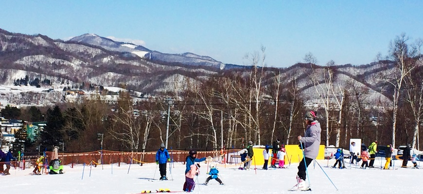 利用「北海道Resort Liner」滑雪專用巴士抵達北海道滑雪場