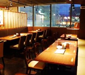 札幌自由行居酒屋推薦:北海道地雞料理,還有多款蔬菜隨你選!札幌居酒屋「雞次郎」的店內一景