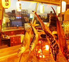 肥美牡蠣100日圓起,還有無敵夜景!札幌原始燒烤酒場「Lungo Carnival Central S4店」店內一景