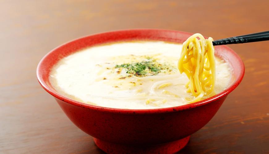 要吃就吃最道地的!北海道札幌最传统味道的味噌拉面专门店「味噌吟札幌本店」