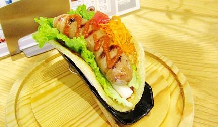 北海道在地推薦美食札幌PARCO「FOODIES MARKET」的NorthContinent HOTDOG STAND(ノースコンチネント ホットドッグスタンド)的熱狗看起來超美味