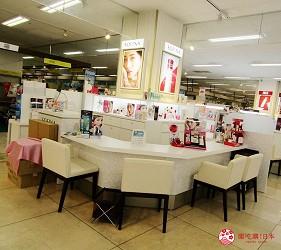 北海道必逛連鎖大型購物中心「AEON 千歲店」的AEON美妝區