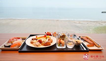 北海道函館湯之川王子飯店「渚亭」的自助餐廳「渚」海景窗邊座位