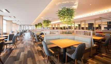 北海道函館湯之川王子飯店「渚亭」的自助餐廳「渚」早上用餐環境