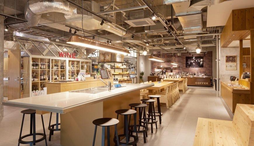 北海道函館五稜郭美食、購物推薦「SHARE STAR HAKODATE」的「SHARE STAR Kitchen」美食廣場開放式座位