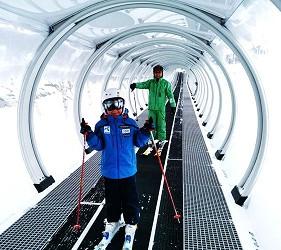搭乘「北海道Resort Liner」的「SKIBUS」到北海道各地滑雪形象照二