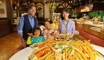 北海道最大四季度假勝地「留壽都度假區」的自助餐廳「Oktober Fest」提供松葉蟹吃到飽