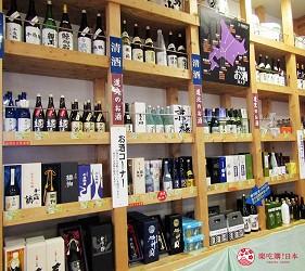 北海道最大三井OUTLET「MITSUI OUTLET PARK 札幌北广岛」的1楼的北海道LOCO FARM VILLAGE店内卖的日本酒
