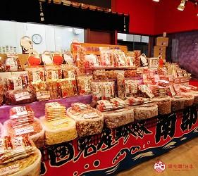 北海道最大三井OUTLET「MITSUI OUTLET PARK 札幌北廣島」的1樓的北海道LOCO FARM VILLAGE店內賣的海鮮乾貨