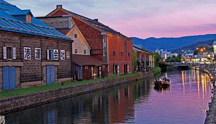夕陽斜照的小樽運河