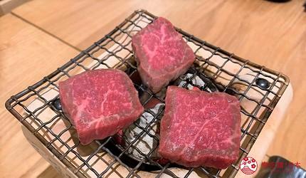 札幌狸小路吃和牛海鮮店「北海道朝市」的料理「炙燒三石牛」(みついし牛の炭炙り焼き)