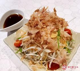 北海道札幌的人气烧肉店「NANKOU园」的萝蔔沙拉口感层次丰富