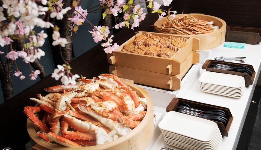 能夠讓你一次吃遍螃蟹、壽司、牛排等100種以上北海道美食的高質量吃到飽自助餐餐廳Premium Live Kitchen 「The Sakura Buffet」內可以吃到的三種蟹