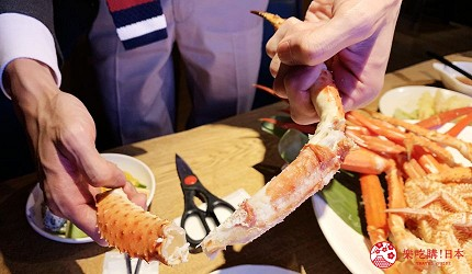 能夠讓你一次吃遍螃蟹、壽司、牛排等100種以上北海道美食的高質量吃到飽自助餐餐廳Premium Live Kitchen 「The Sakura Buffet」內可以吃到的北海道三大蟹在上菜前已經剝好