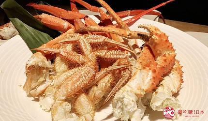 能夠讓你一次吃遍螃蟹、壽司、牛排等100種以上北海道美食的高質量吃到飽自助餐餐廳Premium Live Kitchen 「The Sakura Buffet」內可以吃到的北海道三大蟹可以任食到飽