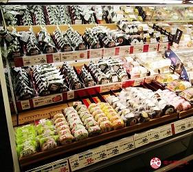離新千歲機場最近!北海道必逛永旺購物中心「AEON 千歲店」的 AEON 超市販售的日式御飯糰