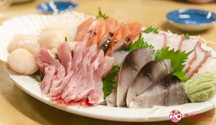 北海道道东四天三夜推荐行程的居酒屋「炉ばた いちばん星」的海鲜