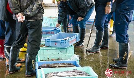 北海道道东四天三夜推荐行程的「罗臼渔市」竞标