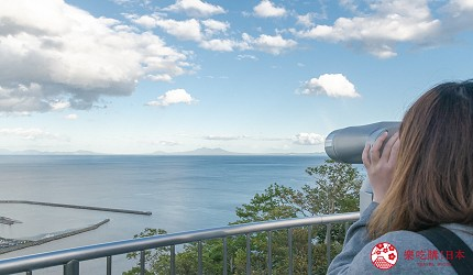 北海道道东四天三夜推荐行程的「罗臼国后展望塔」的望远镜