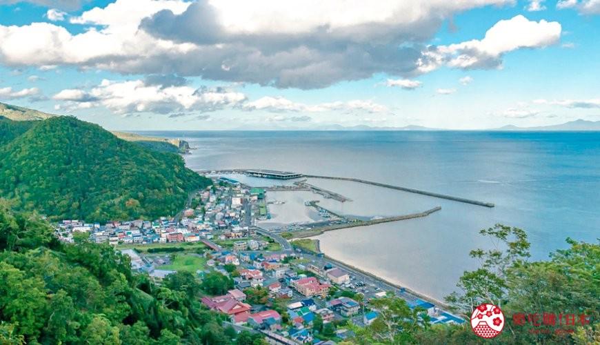 北海道道东四天三夜推荐行程的「罗臼国后展望塔」景色