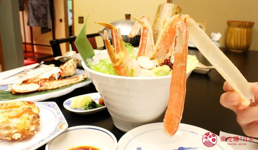 札幌螃蟹必吃推薦「螃蟹家本店」的松葉蟹肉生魚片(ズワイかにお造り)近照
