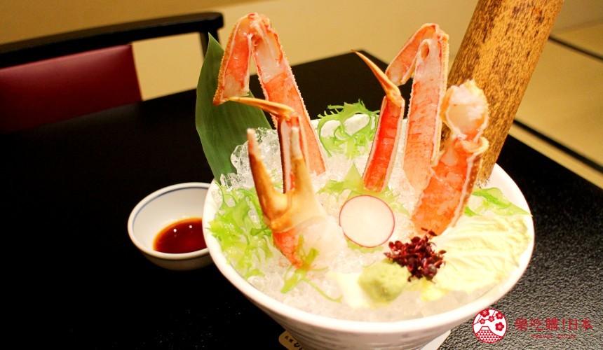 札幌螃蟹必吃推薦「螃蟹家本店」的松葉蟹肉生魚片(ズワイかにお造り)遠照