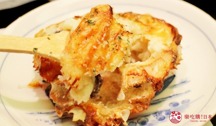札幌螃蟹必吃推薦「螃蟹家本店」的焗烤蟹肉通心粉(かにグラタン)近照