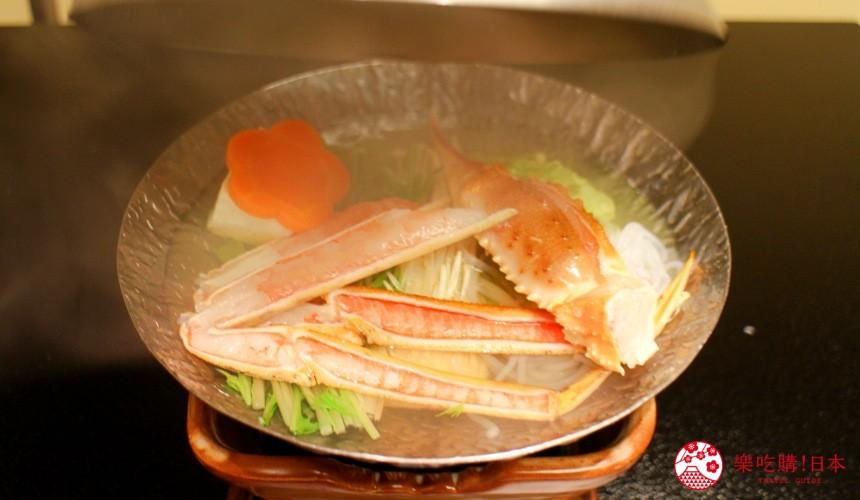 札幌螃蟹必吃推薦「螃蟹家本店」的松葉蟹小鍋(ズワイかに小鍋)燉煮中照片