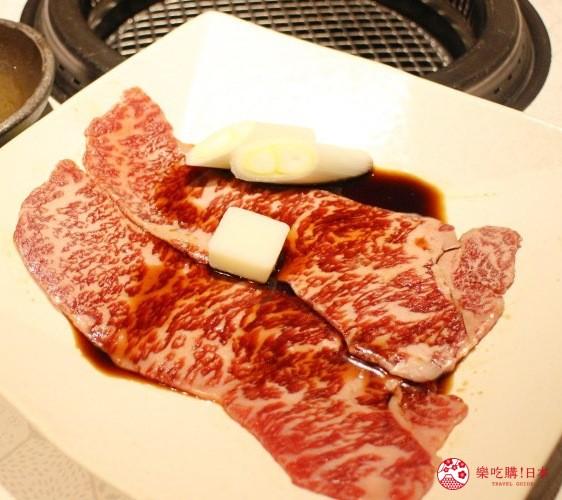 北海道超软嫩烧肉推荐!只用A4高级和牛的札幌人气烤肉店「NANKOU园」的特选黑毛和牛板烧寿喜烧的生肉