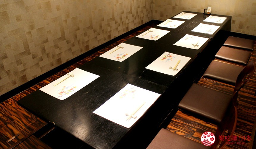 北海道自由行必去札幌食必吃和牛烧肉推荐推介美食店肉割烹八寸的多人坐位
