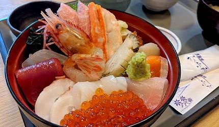 日本北海道最北端的地區稚内市宗谷的地方限定極品超豐富鮮美海鮮刺身丼飯