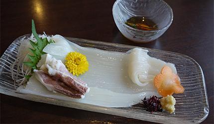 函馆必吃炭火烧烤名店「きくよ食堂 Bay Area店」的乌贼素面(イカソーメン)